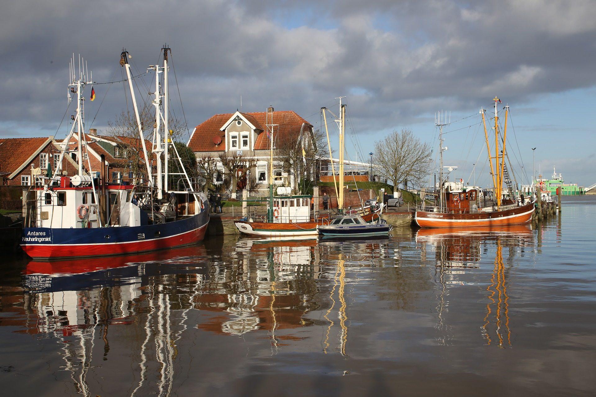fishing-vessel